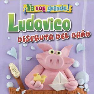 LUDOVICO DISFRUTA DEL BAÑO
